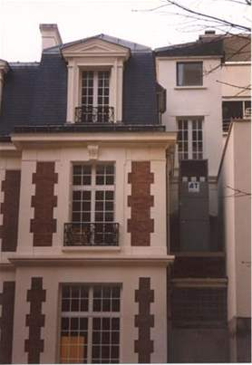 Paris, 16th district: soundproofed tower (discharge or suction sound baffles)